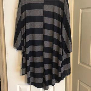 LuLaRoe Sweaters - LuLaRoe Lindsay Kimono Gray & Navy